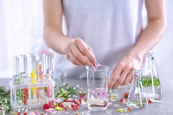 Preparación de perfumes caseros